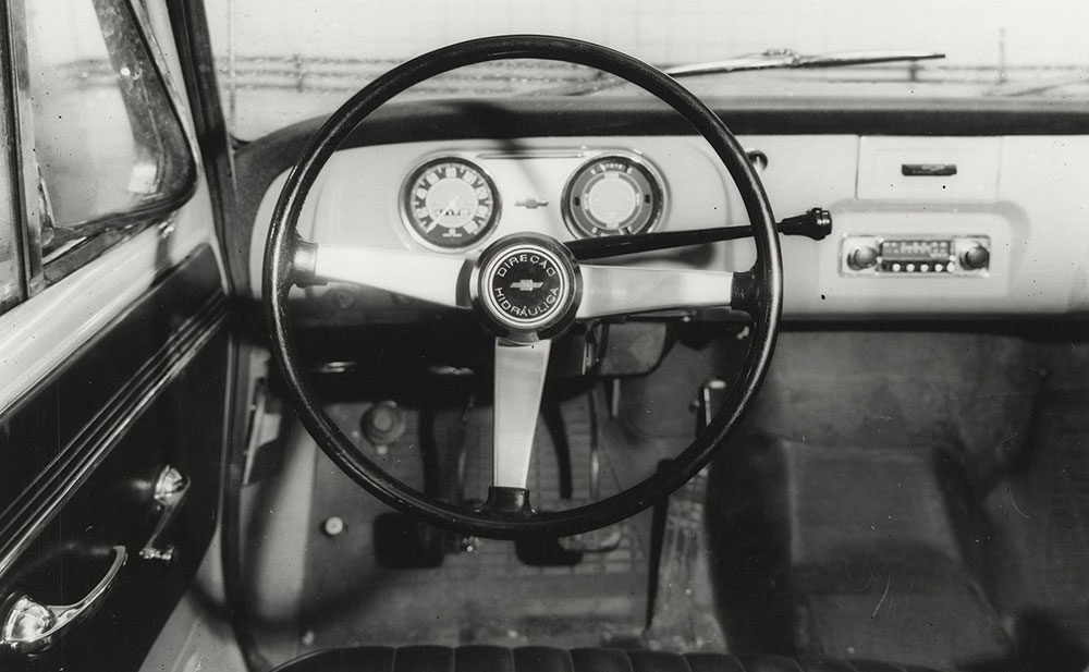 Chevrolet - 1973 - interior dashboard (made in Brazil)