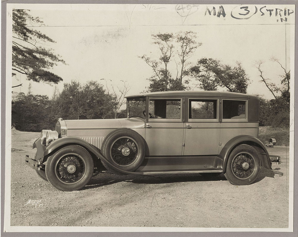 Cunningham Series V-7, enclosed drive sedan, 1928.