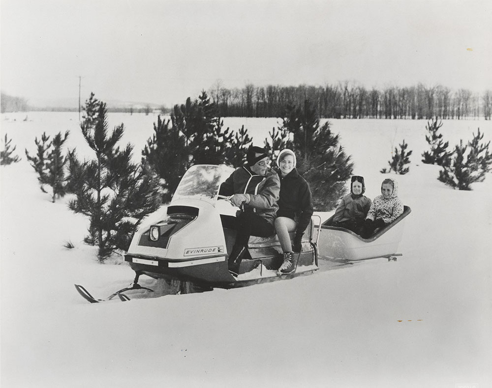 Evinrude Skeeter Snowmobile - 1968 - Digital Collections ... on