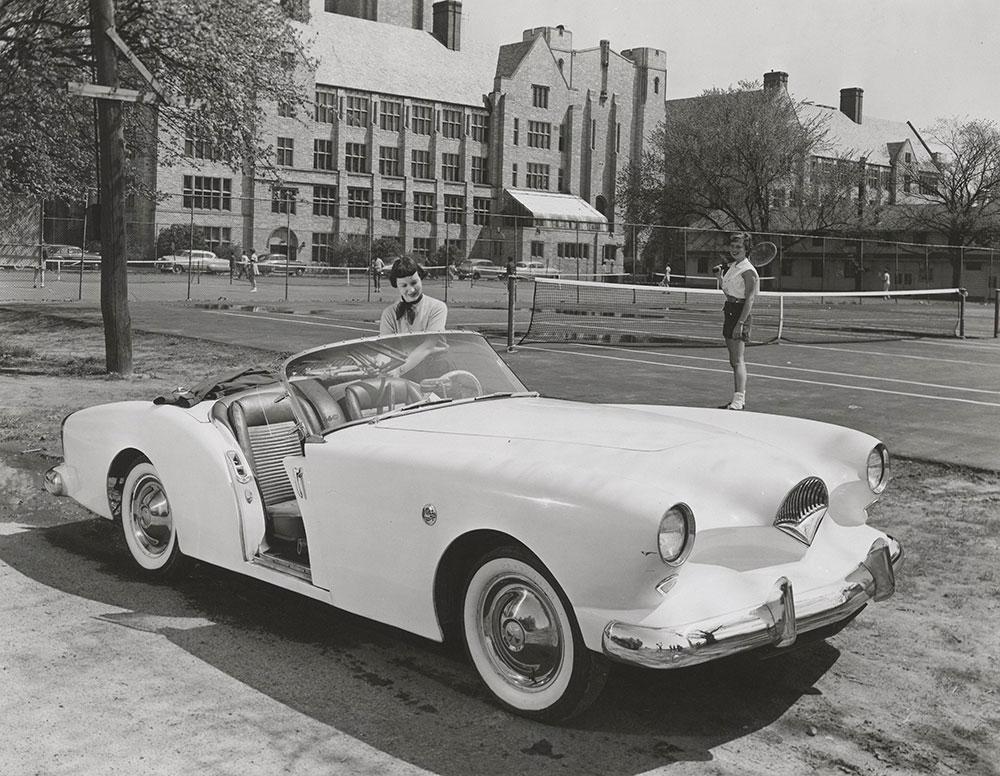 Kaiser-Darrin Kaiser-Darrin two-door sport convertible - 1954