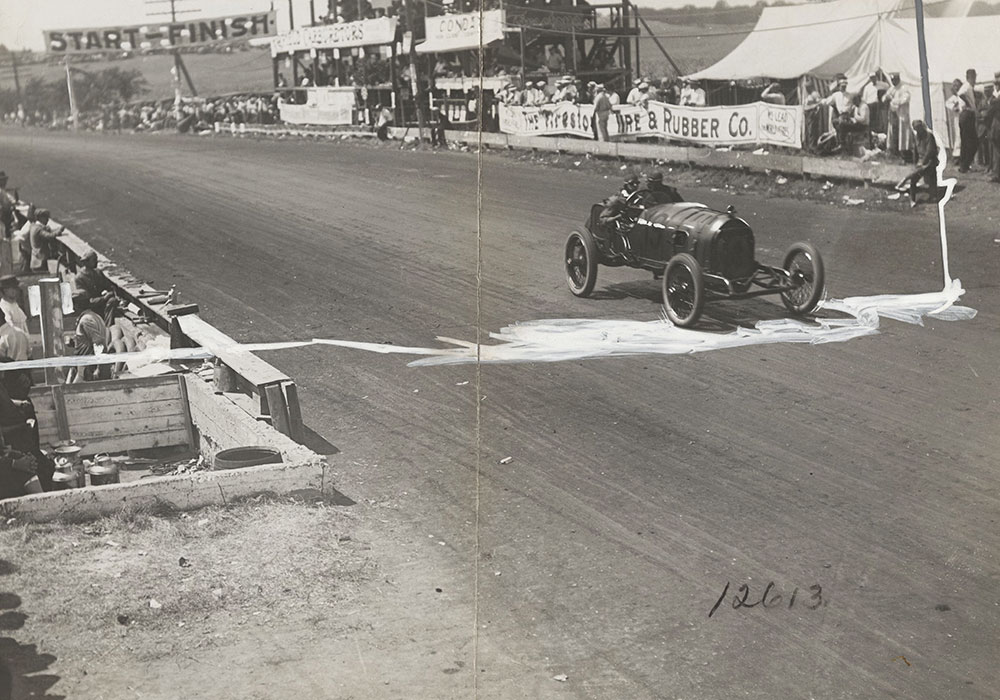 Wishart in Mercer finishing 13th lap - Digital Collections - Free