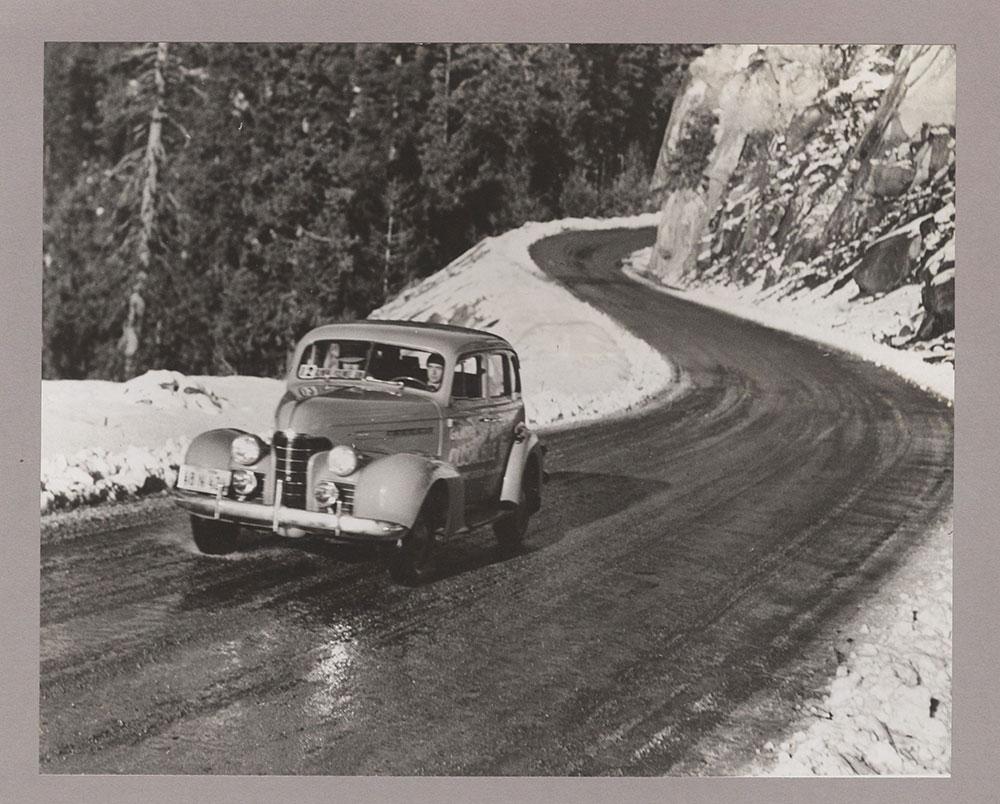 Gilmore-Yosemite Economy Run, Oldsmobile Six - 1936