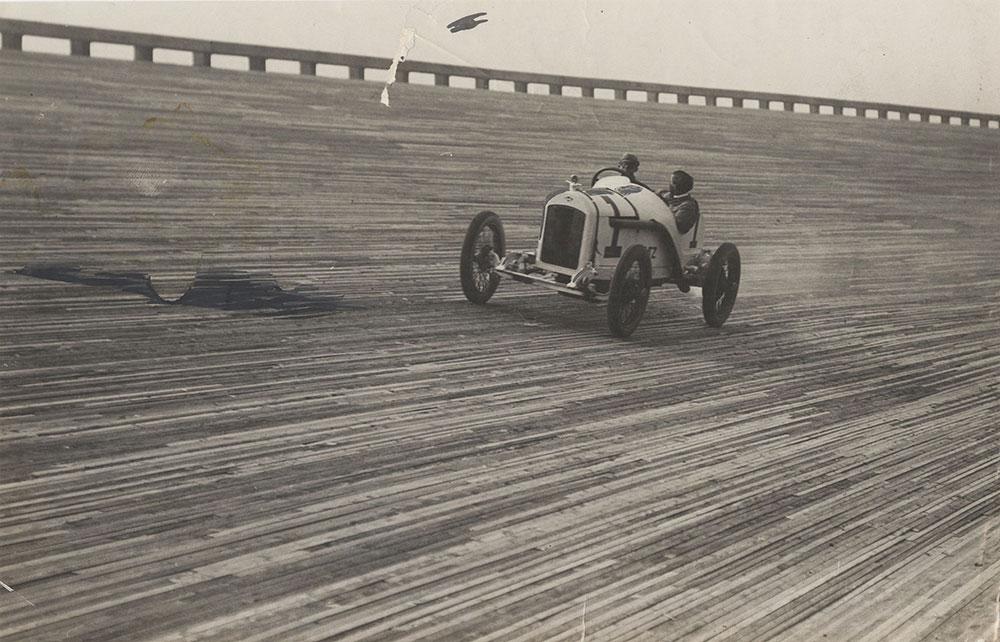 Stutz on the Chicago Speedway, June1915