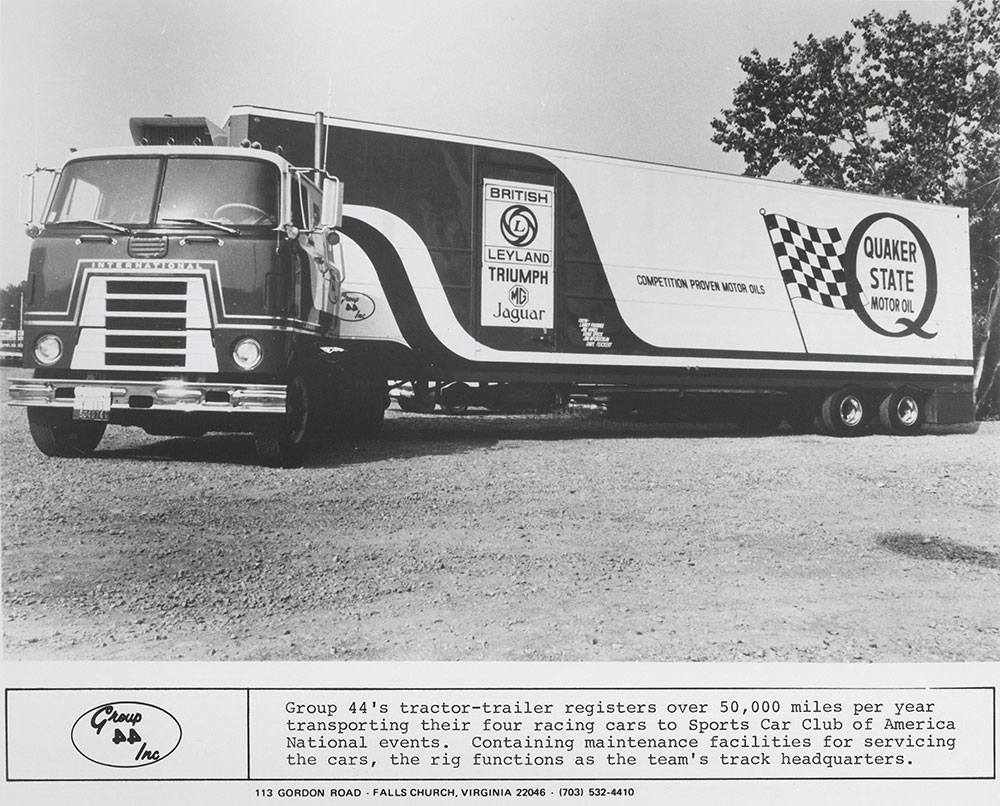 Group 44 International tractor-trailer: British Leyland and Quaker State Motor Oil