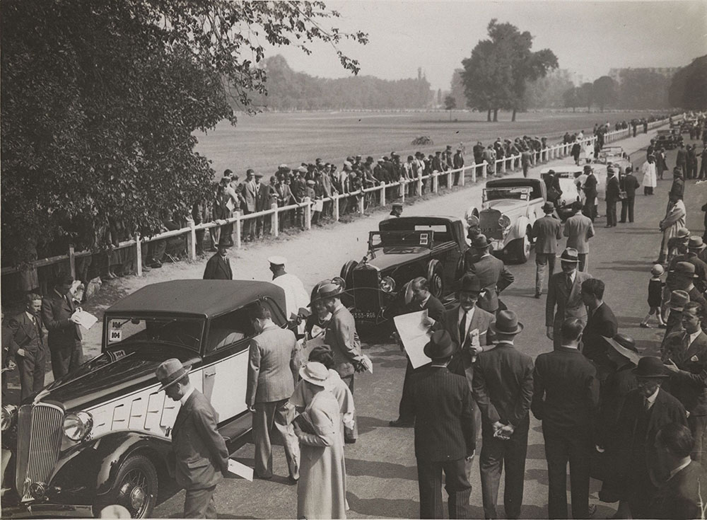 Competition of motor car elegance at the Bois de Boulogne