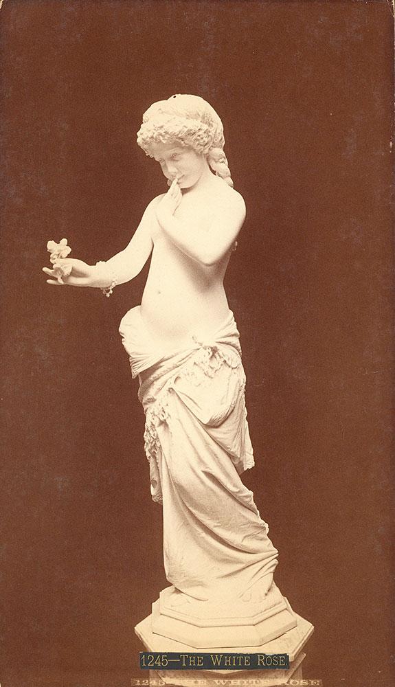 Statue-