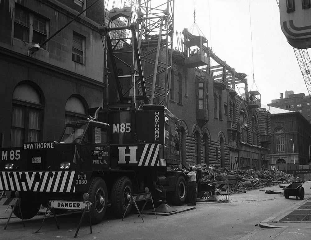 Bartram Hotel, Hawthorne Demolition Truck