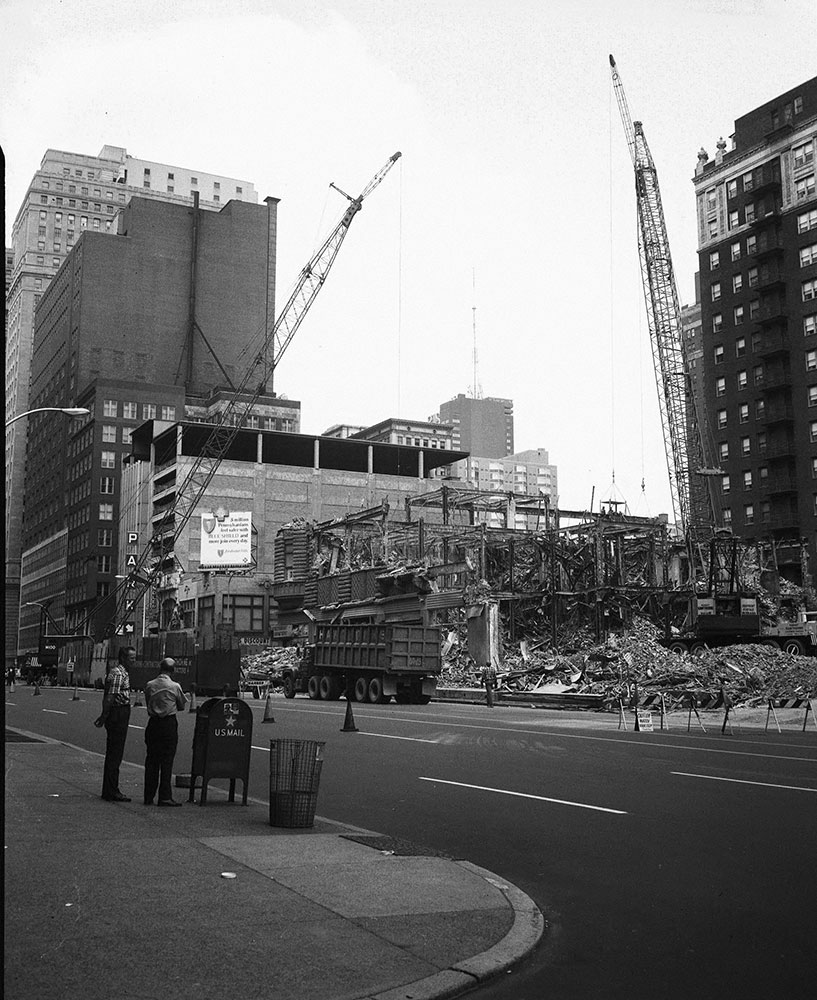 Bartram Hotel Demolition, Street Scene
