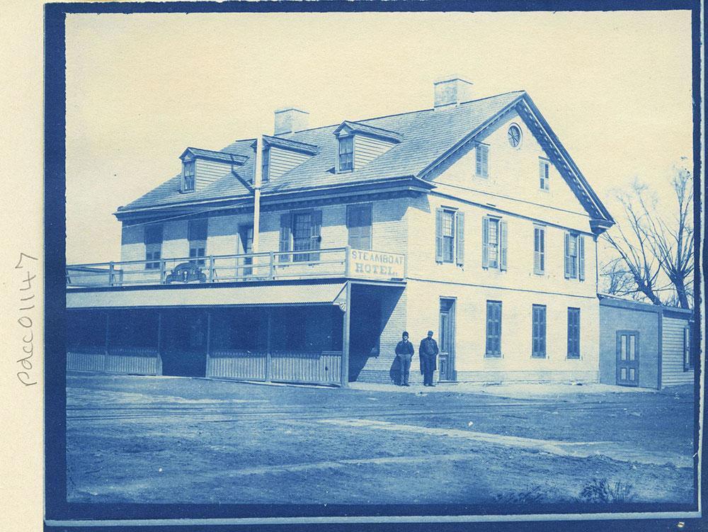 Steamboat Hotel