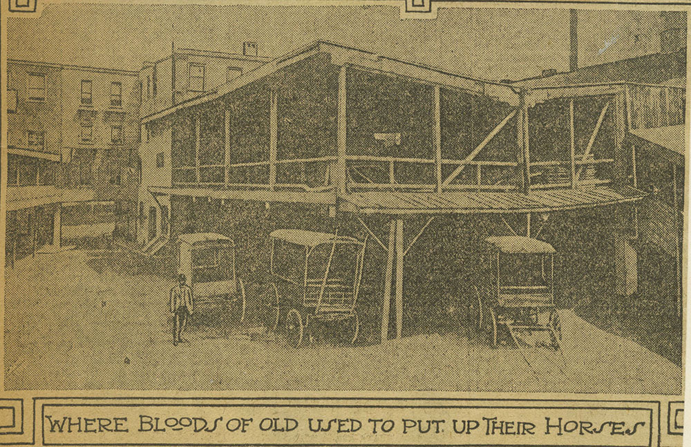 Black Horse Hotel - Courtyard
