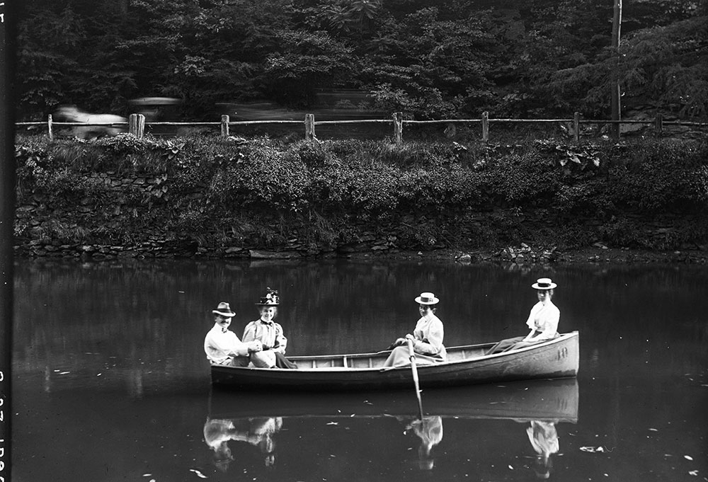 Miss Jessie Keely, Will Keely and two friends in a boat on the Wissahickon Creek