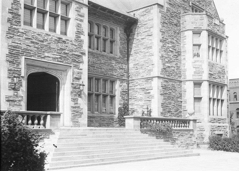 University of Pennsylvania, Houston Hall, Detail of Front