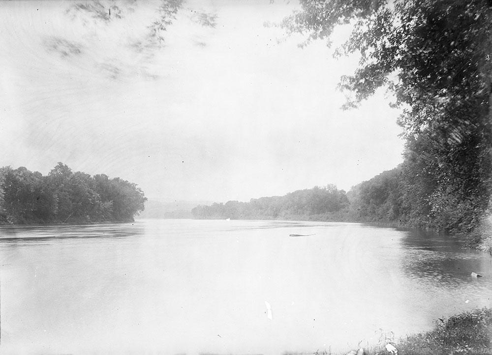 The Delaware River near the Riverside Hotel