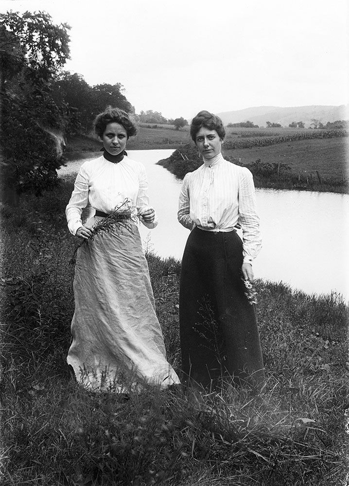 Sue and Mary near the Bennekill