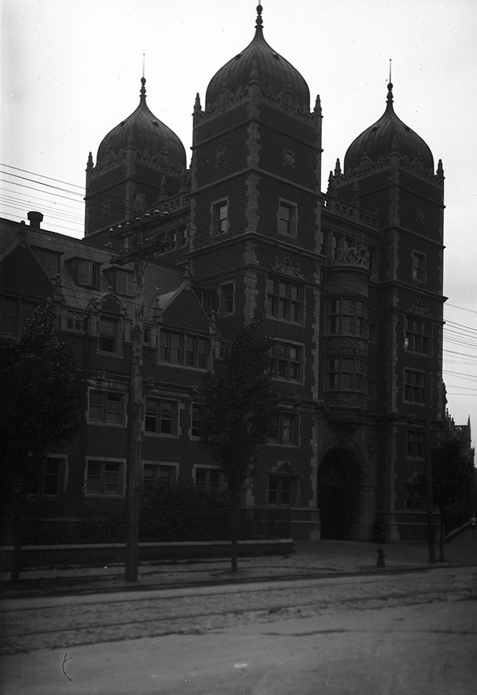 University of Pennsylvania, Dormitory, Memorial Tower