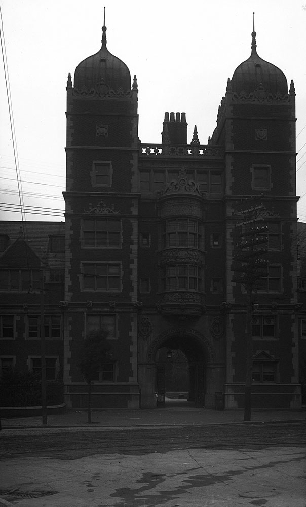University of Pennsylvania, Dormitory, Memorial Tower
