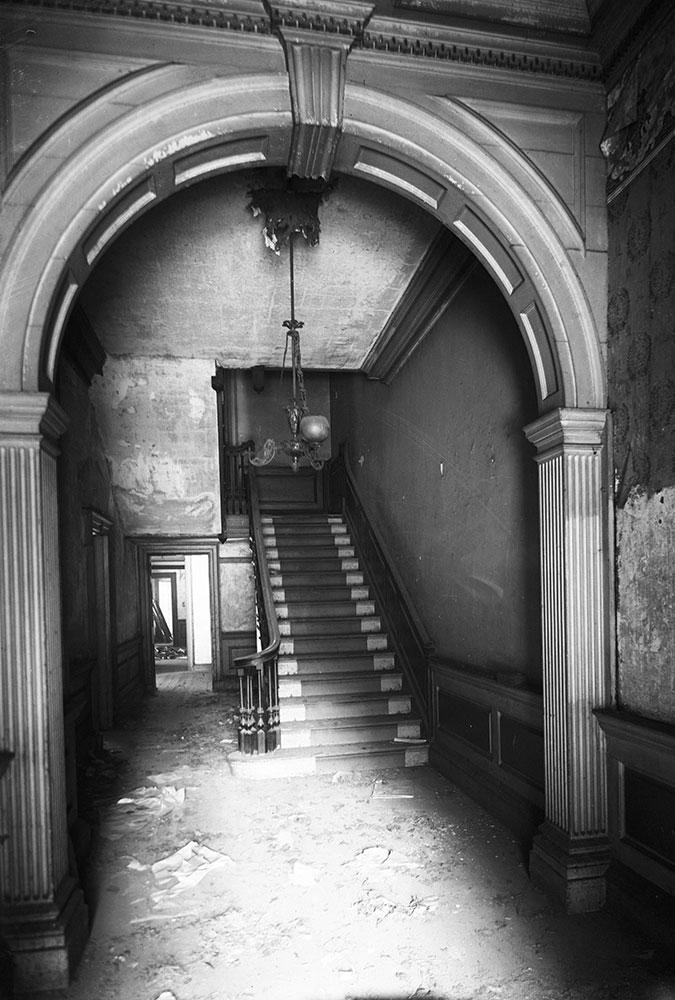 Powell House, Main Hall