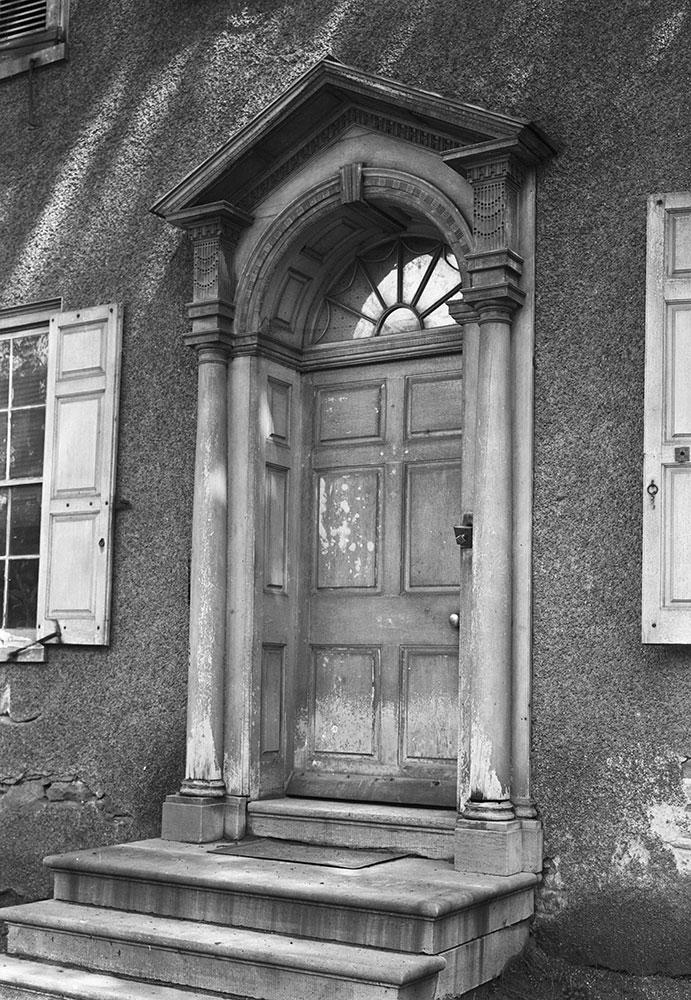 The Samuel Wakeling Mansion, Entrance Detail
