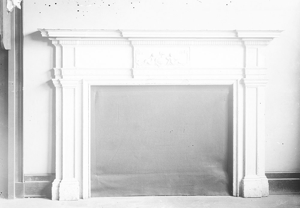 Colonial Mantle, belonging to H. L. Duhring, Jr.