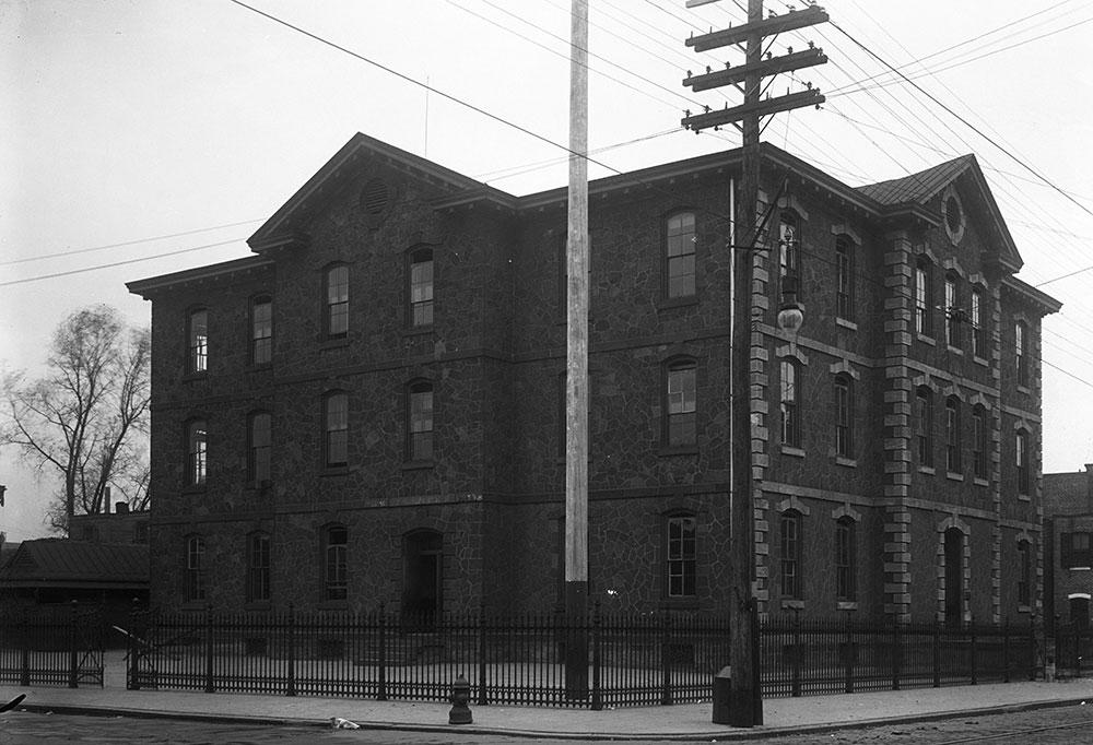 Henry W. Halliwell School