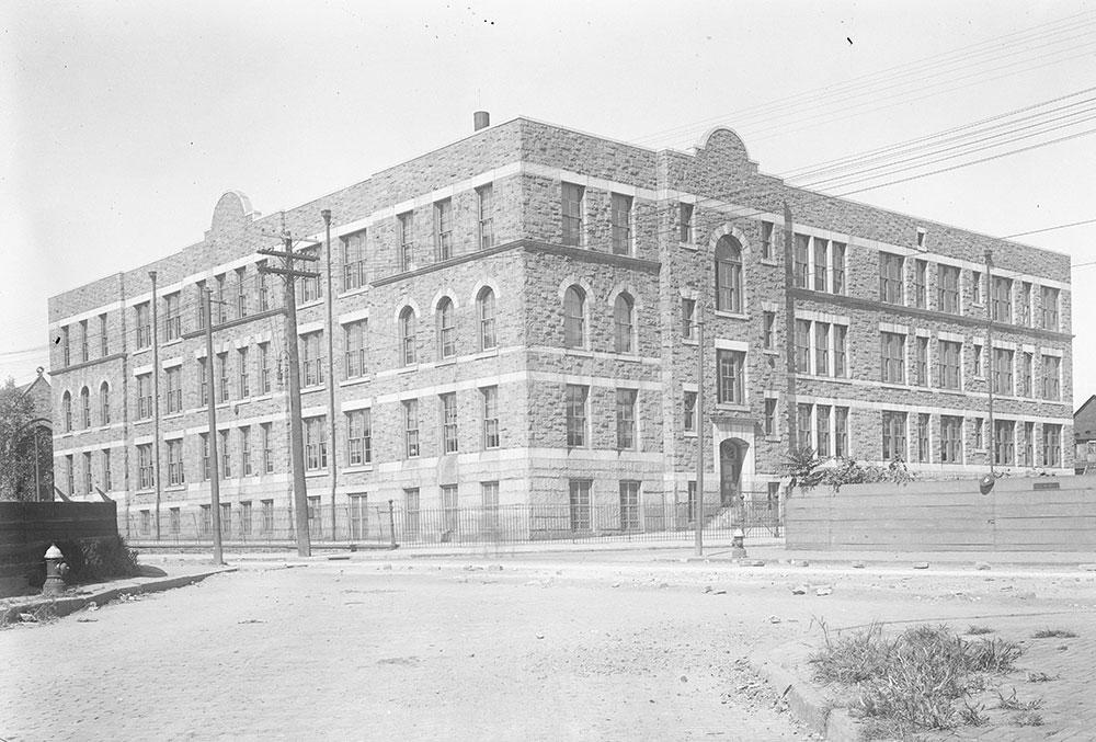 Edward Heston Public School