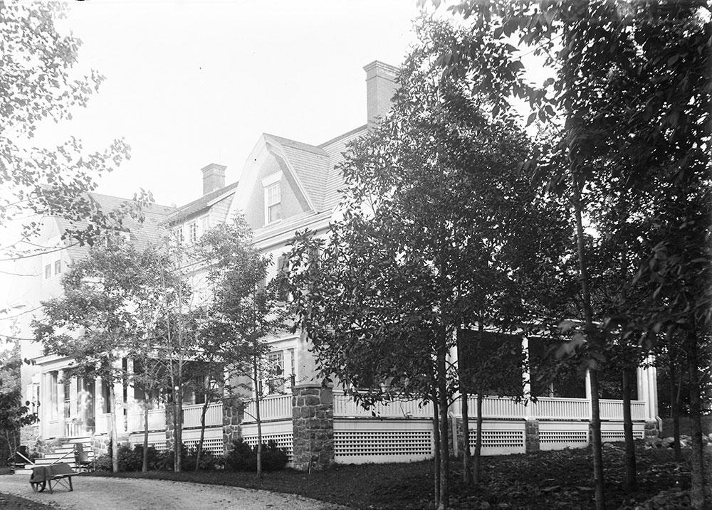 Samuel Eckert residence, Devon, PA, front elevation