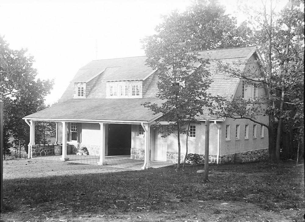 Samuel Eckert stable, Devon, PA,