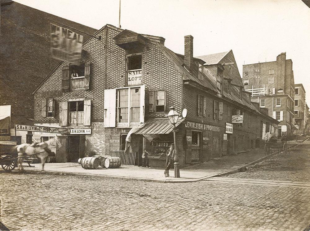 Race Street Wharf, Delaware Avenue at Race Street