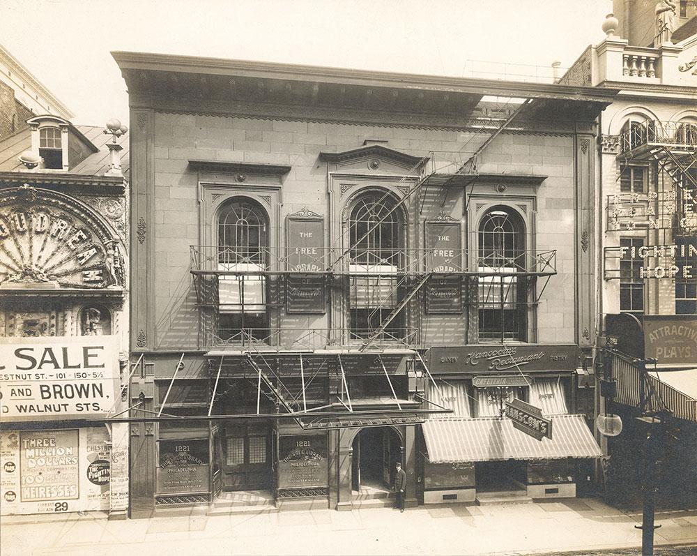 Free Library of Philadelphia, Chestnut Street at 12th