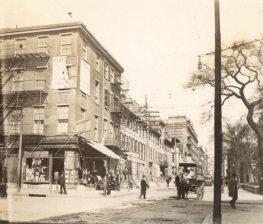 6th Street, north from Walnut