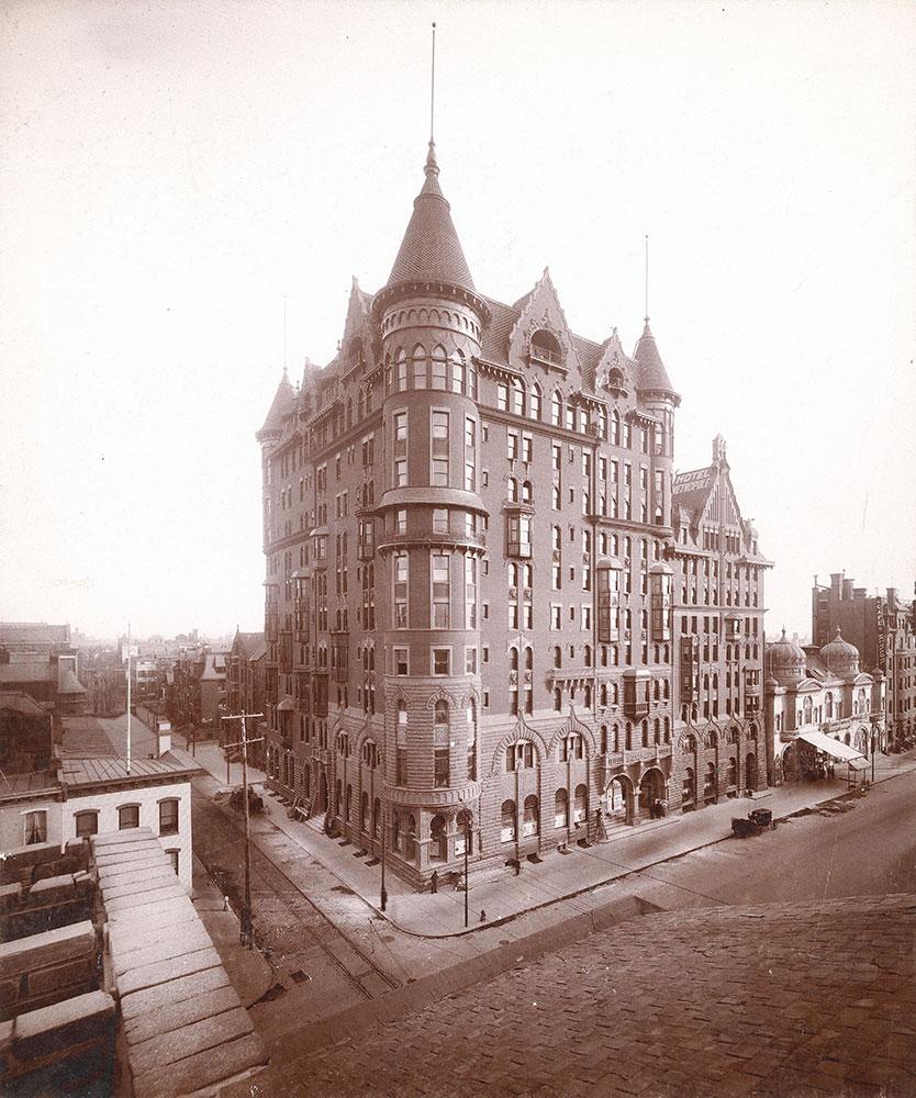Hotel Walton, Broad Street at Locust