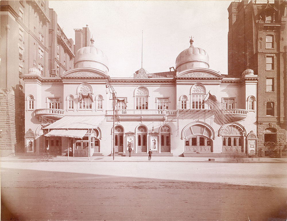 Broad Street Theatre, Broad Street at Locust