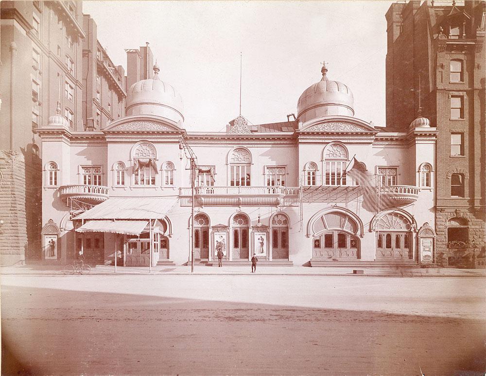 Broad Street Theatre, Broad Street at Locust