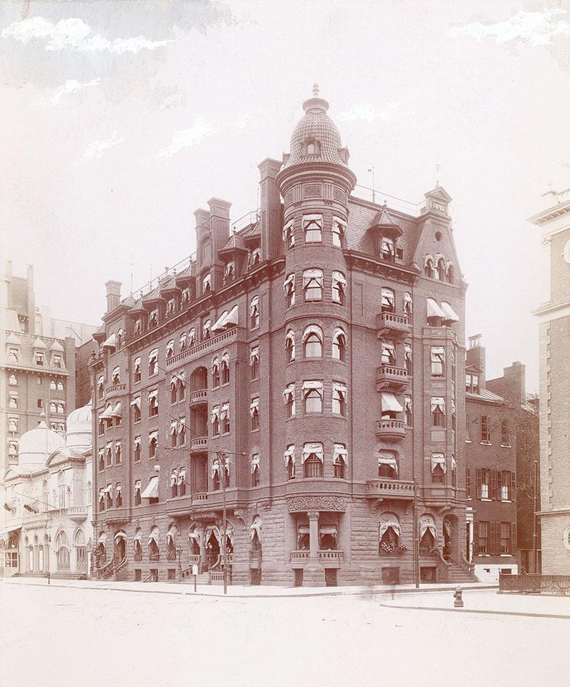 Hotel Stenton, Broad Street at Spruce