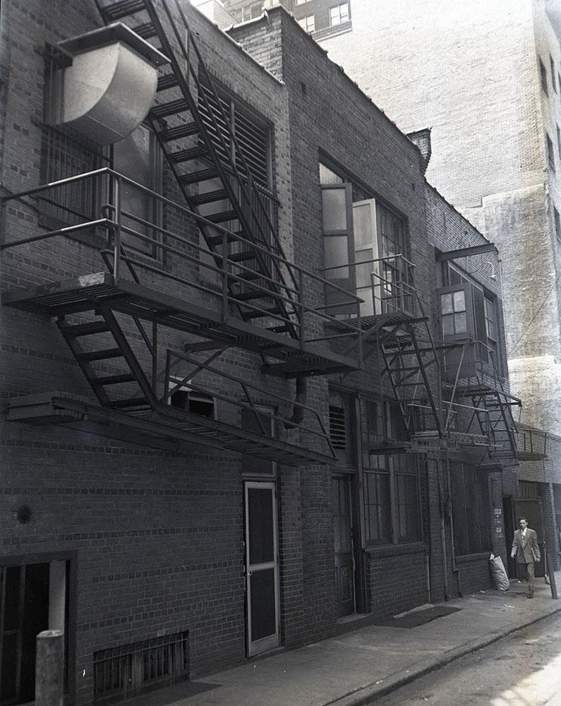 1523 Walnut Street