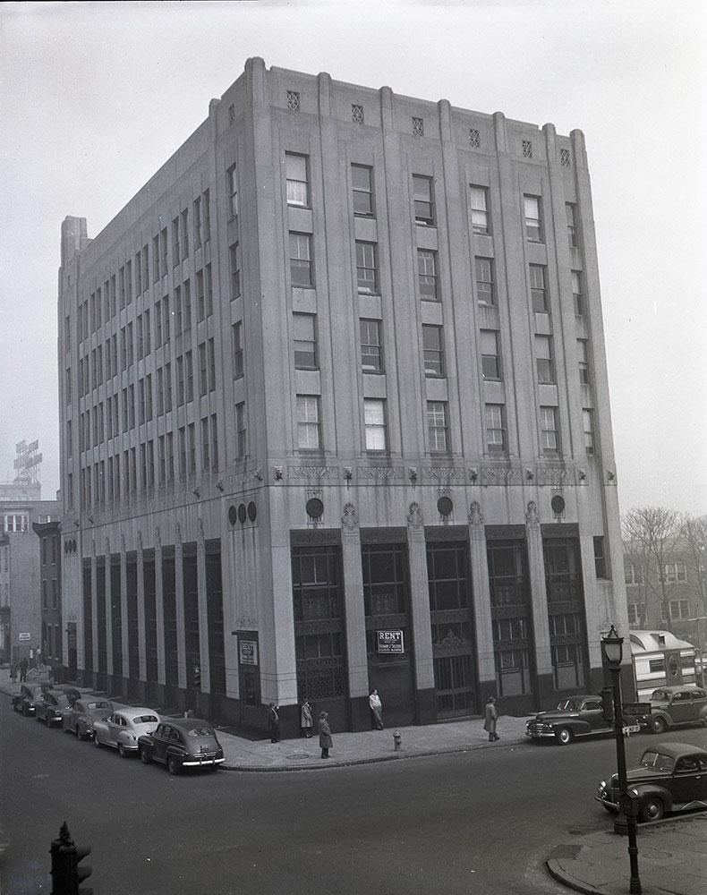 Walnut Street & 36th Street, Northeast corner