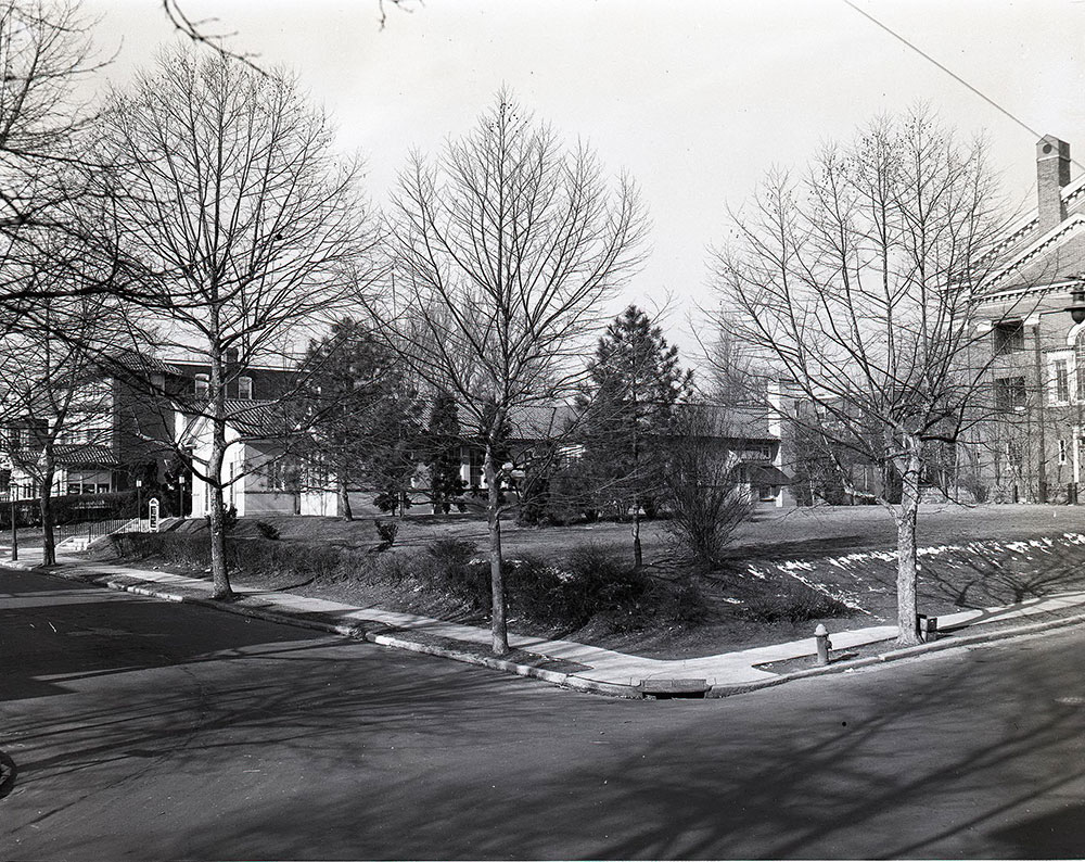 61st & Oxford Streets, Northwest corner