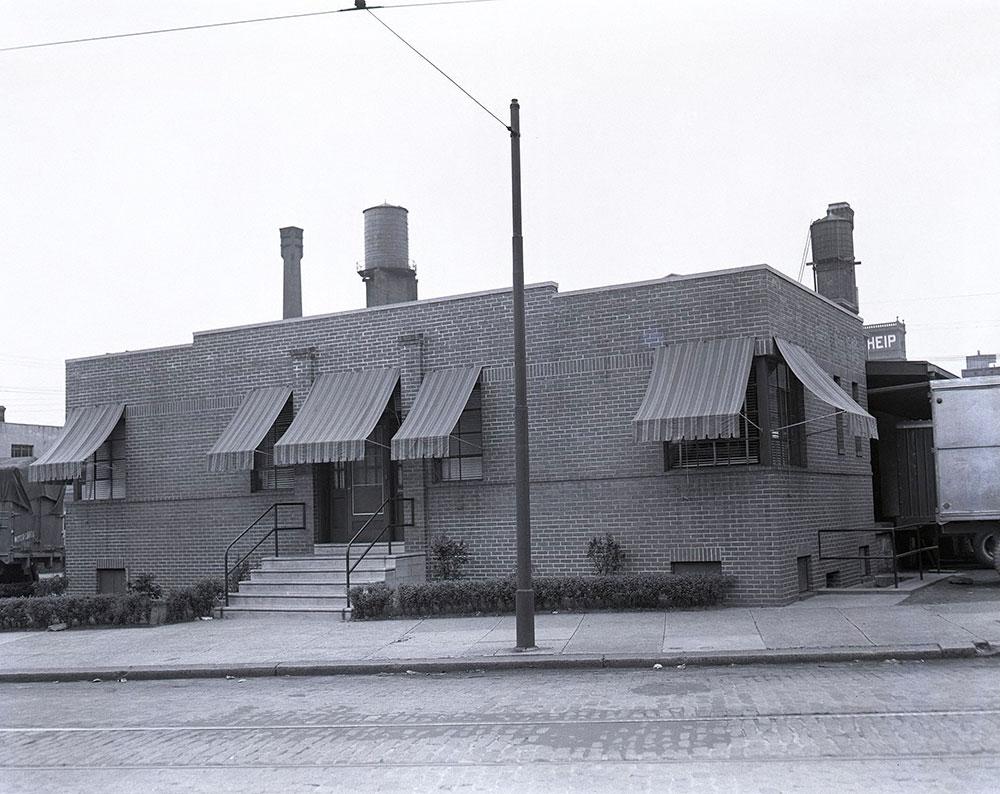 Columbia Avenue & 5th Street, Northeast corner