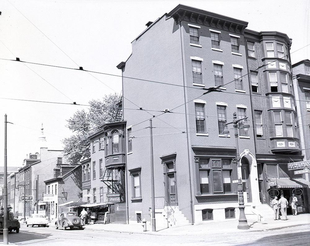 1737 Arch Street, Northeast corner at 18th Street