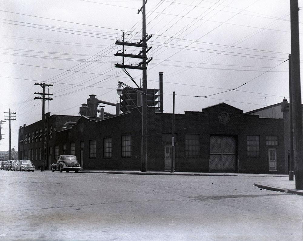 Glenwood Avenue & 2nd Street, Southeast corner