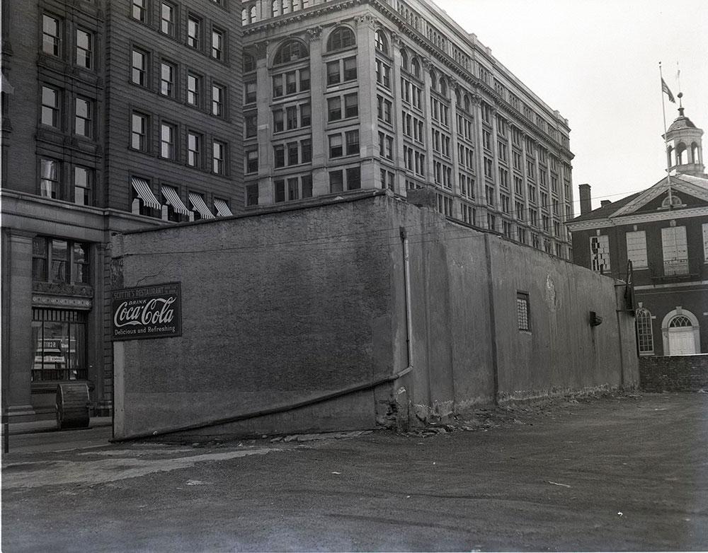 501 Chestnut Street, Northwest Corner at 5th Street