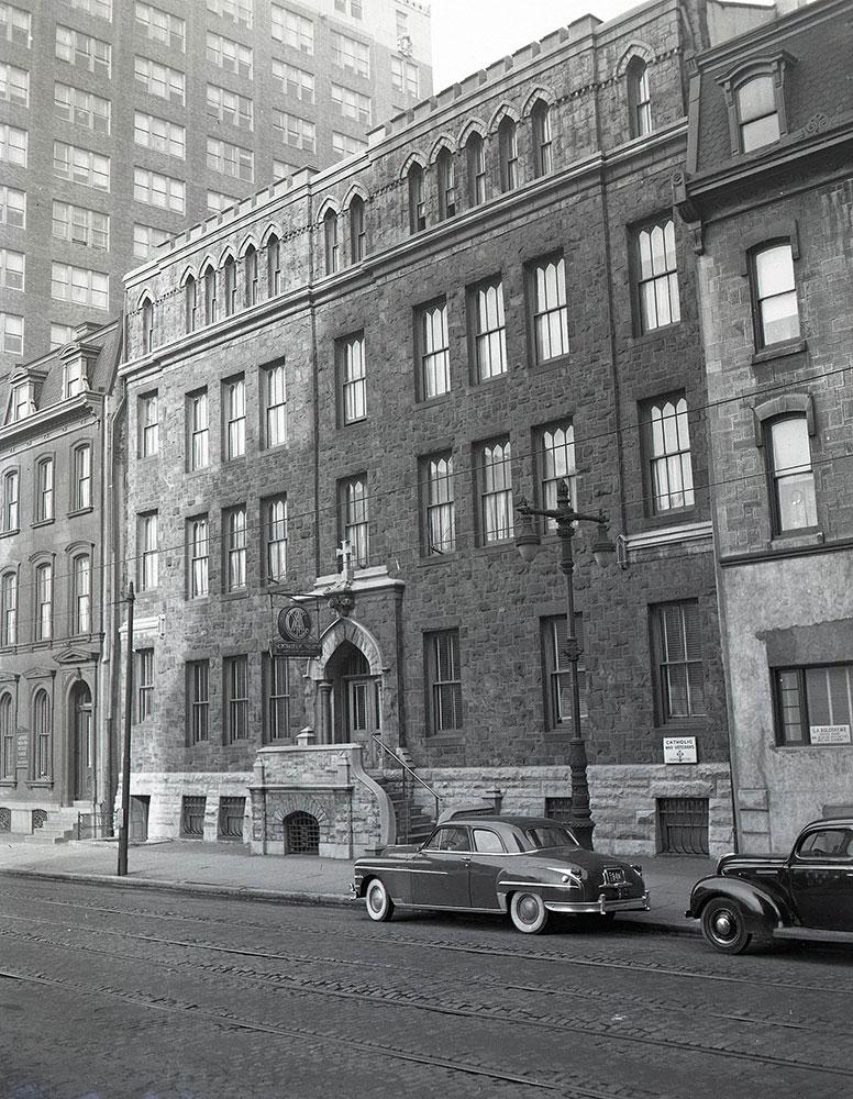 1815-1823 Arch Street