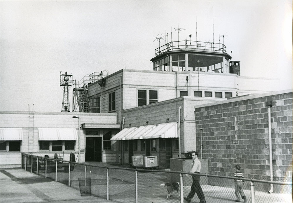 Philadelphia International Airport - Terminal ca. 1950 (b)