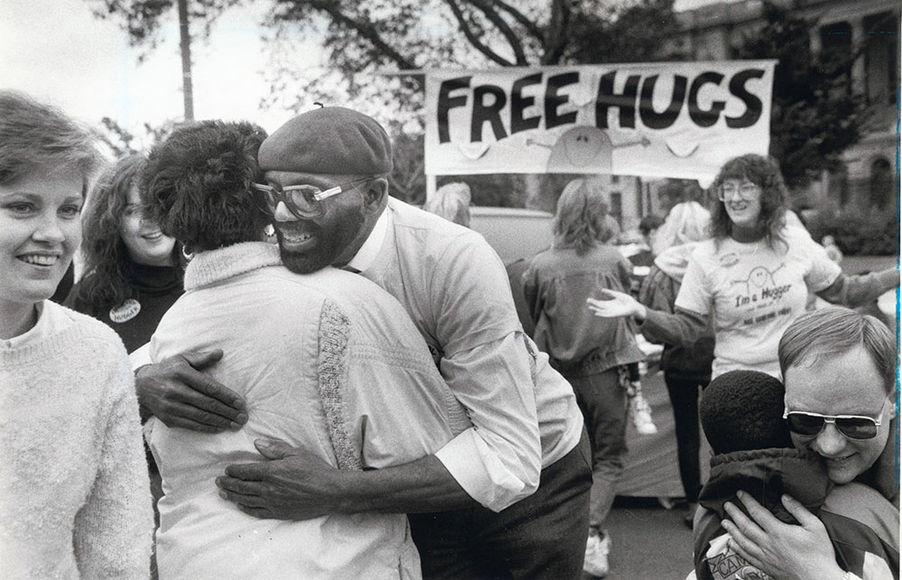 Super Sunday on the Parkway: Free Hugs
