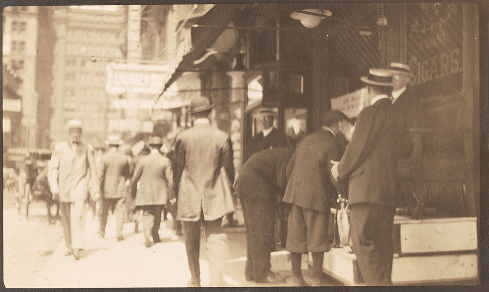 Streets: 15th Street, north from Chestnut Street, east side