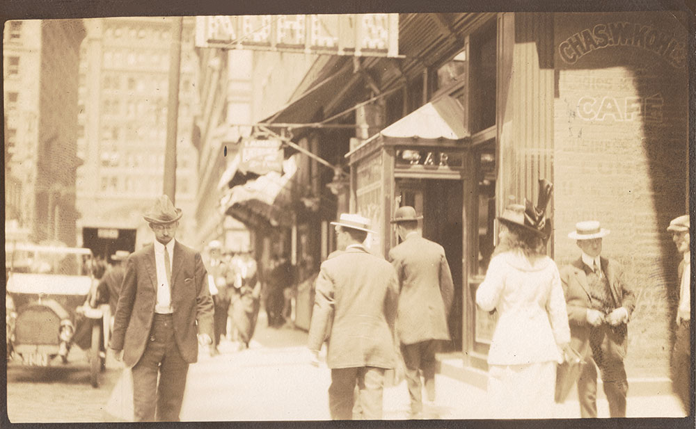Streets: 15th Street, north from Chestnut Street, west side