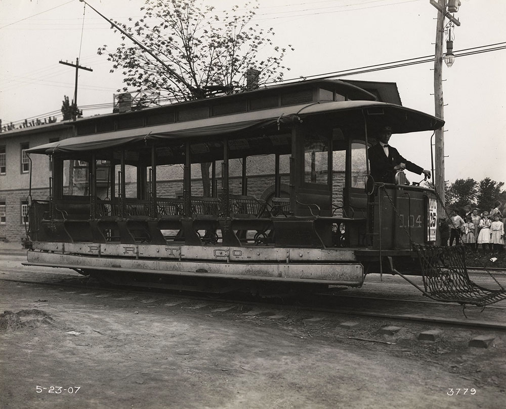Trolley no. 1043