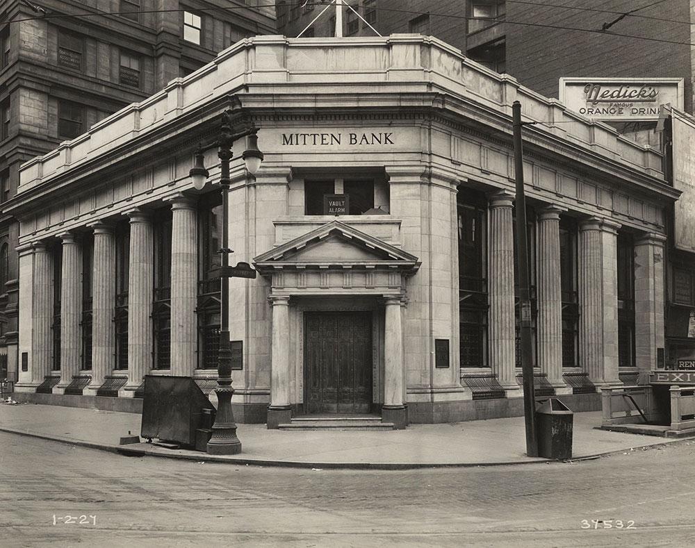 Mitten Bank building