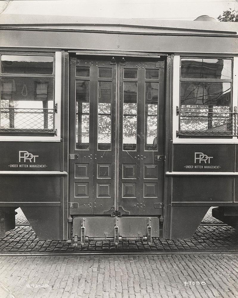 Center door detail